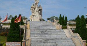 dmz-doc-mieu-victory-monument-1