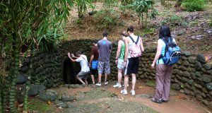 entrance_to_vinh_moc_tunnels