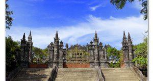 khai-dinh-tomb2