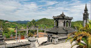 khai-dinh-tomb1